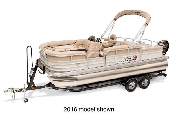 2017 SUN TRACKER PARTY BARGE 22 DLX for sale