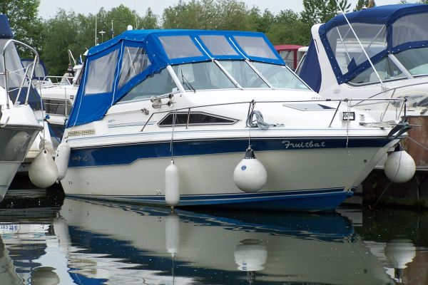 Sea Ray 220 DA For Sale from TBS Boats