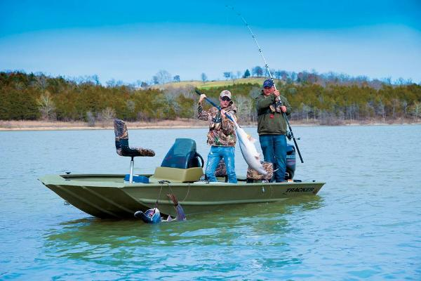 2016 Tracker Boats boat for sale, model of the boat is Grizzly 1754 MVX SC & Image # 3 of 38
