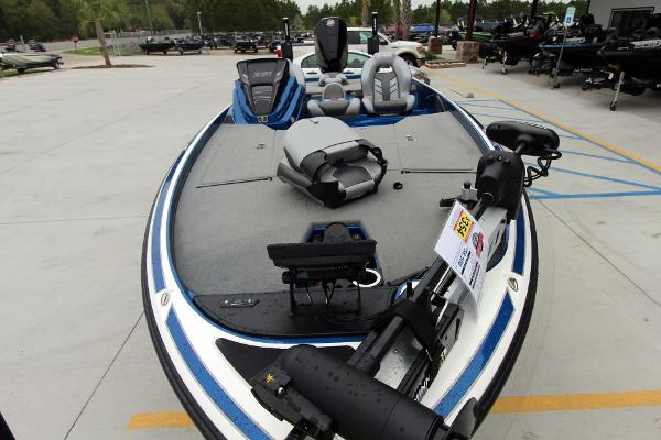 2020 Nitro boat for sale, model of the boat is Z21 Pro & Image # 3 of 51