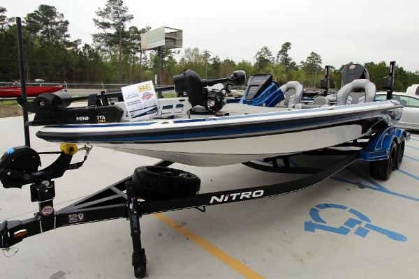 2020 Nitro boat for sale, model of the boat is Z21 Pro & Image # 5 of 51