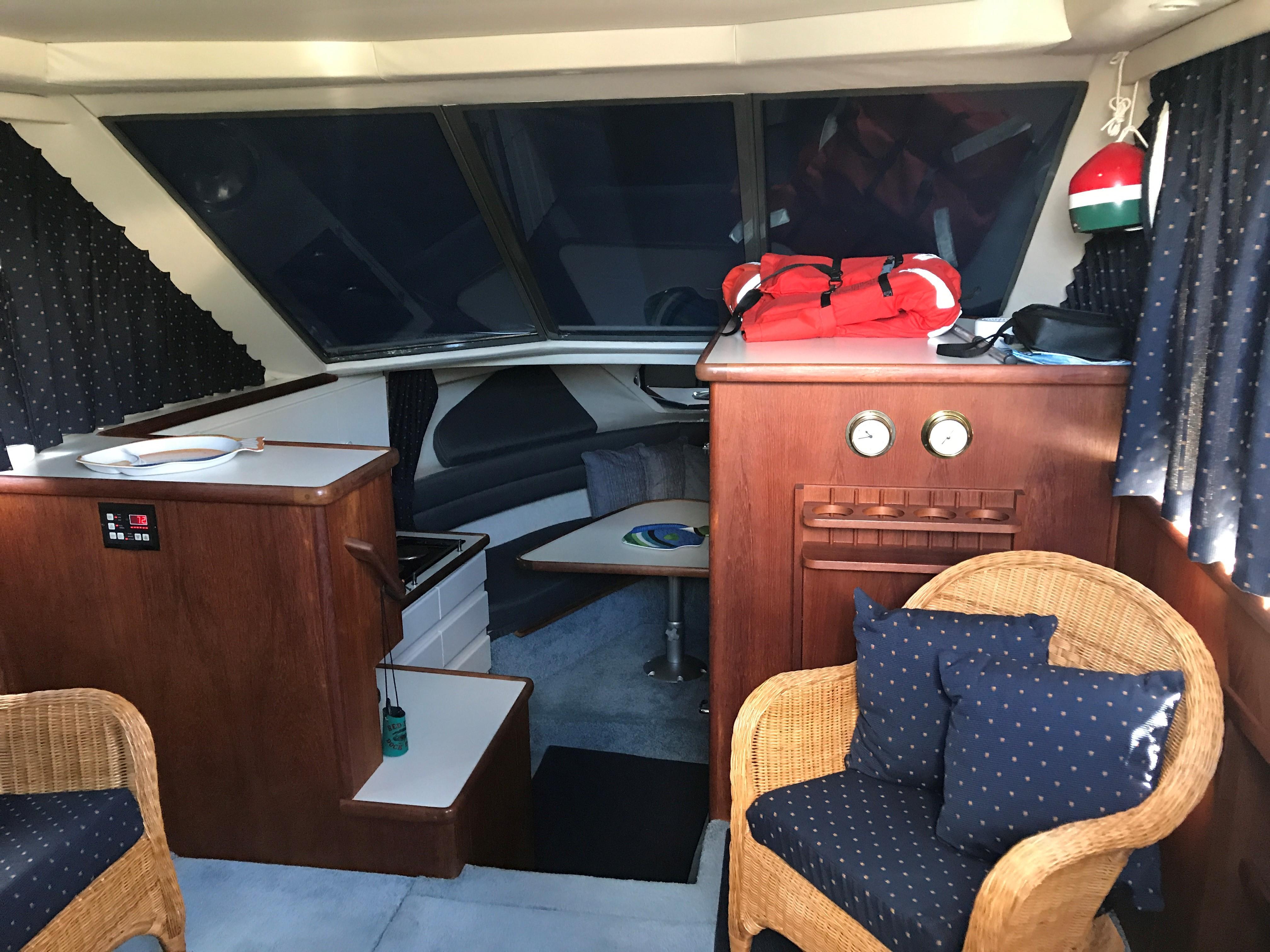 30' Carver 300 Aft Cabin Cruiser 1994 No Hurricane Damage--Confirmed