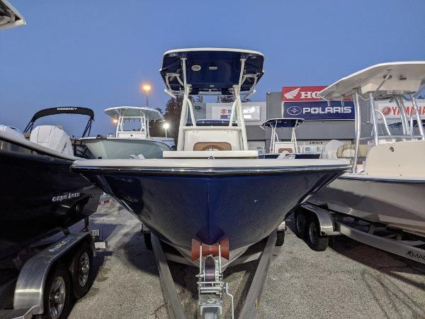 2019 Sea Born boat for sale, model of the boat is LX24-CC & Image # 8 of 38
