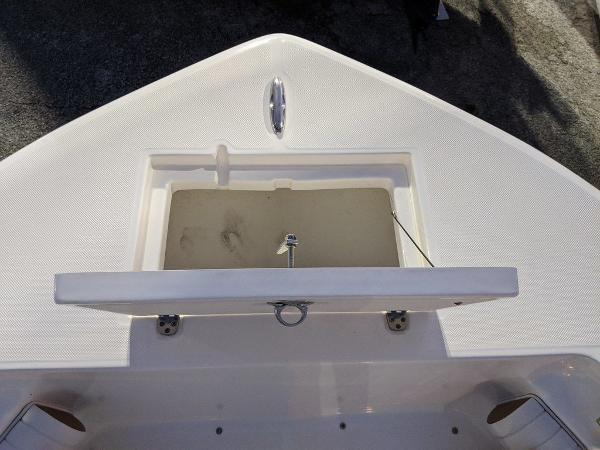 2019 Sea Born boat for sale, model of the boat is LX24-CC & Image # 10 of 38