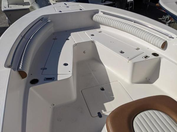 2019 Sea Born boat for sale, model of the boat is LX24-CC & Image # 10 of 34