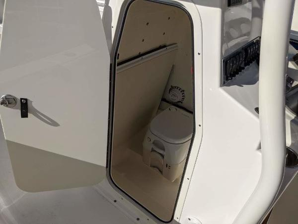2019 Sea Born boat for sale, model of the boat is LX24-CC & Image # 11 of 34