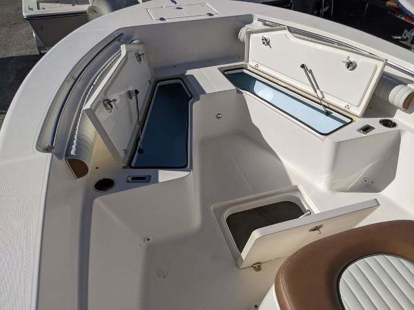 2019 Sea Born boat for sale, model of the boat is LX24-CC & Image # 12 of 34