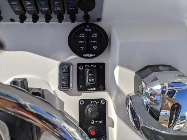 2019 Sea Born boat for sale, model of the boat is LX24-CC & Image # 14 of 34
