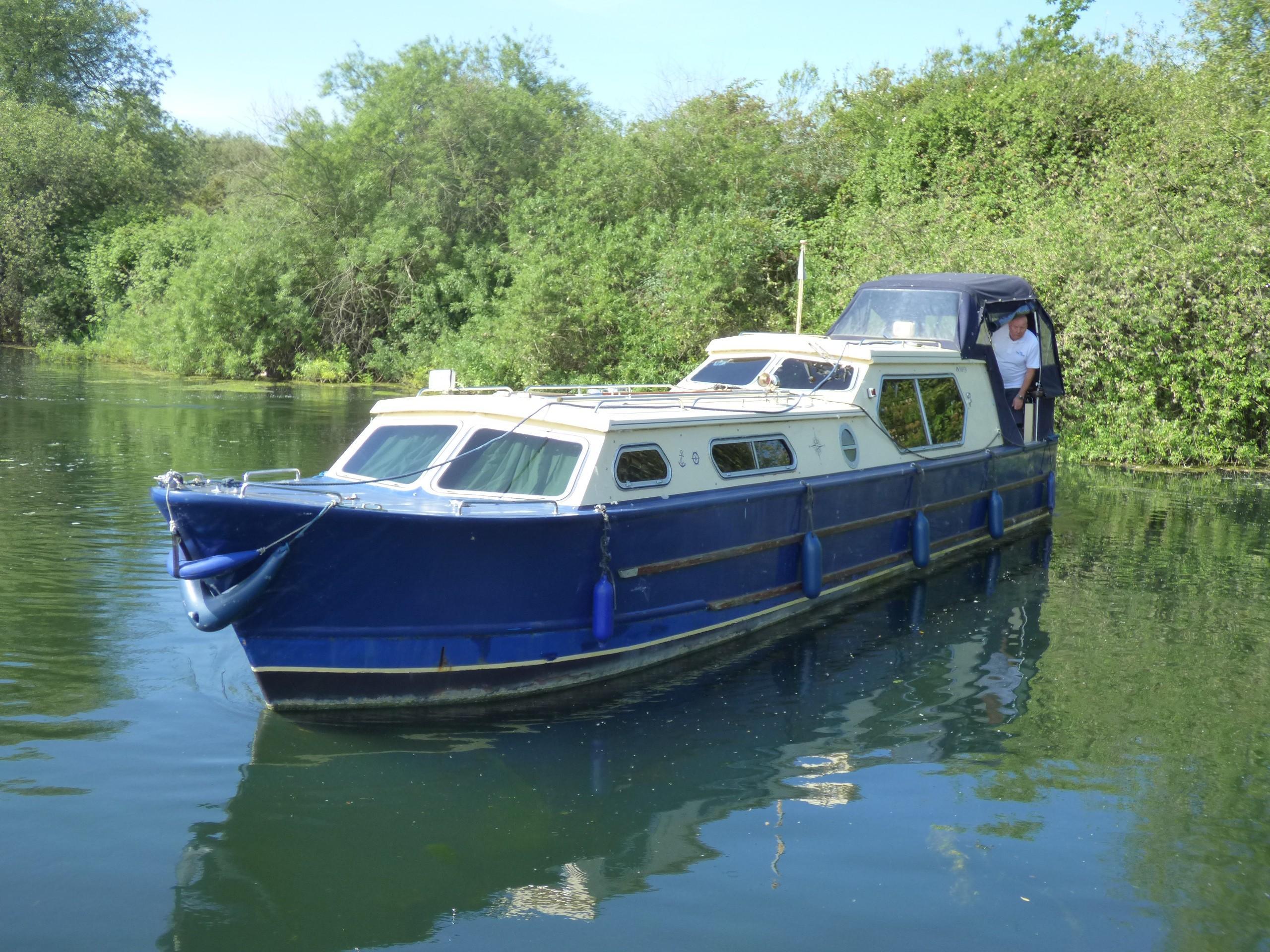 Narrowboat Suncruiser 36 built by Paul Steed