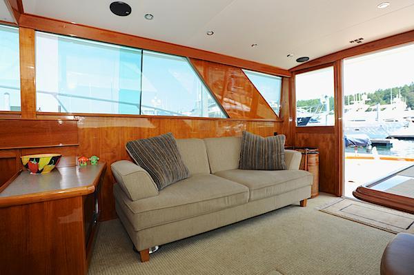 Salon starboard 2