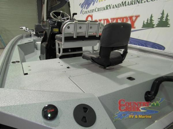 2018 Excel boat for sale, model of the boat is 220 & Image # 9 of 18