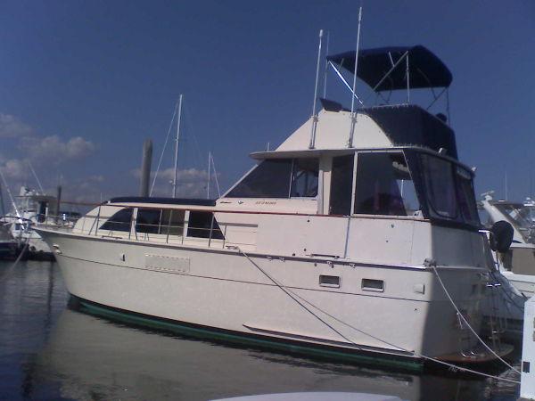 43' Hatteras Double Cabin Motor Yacht