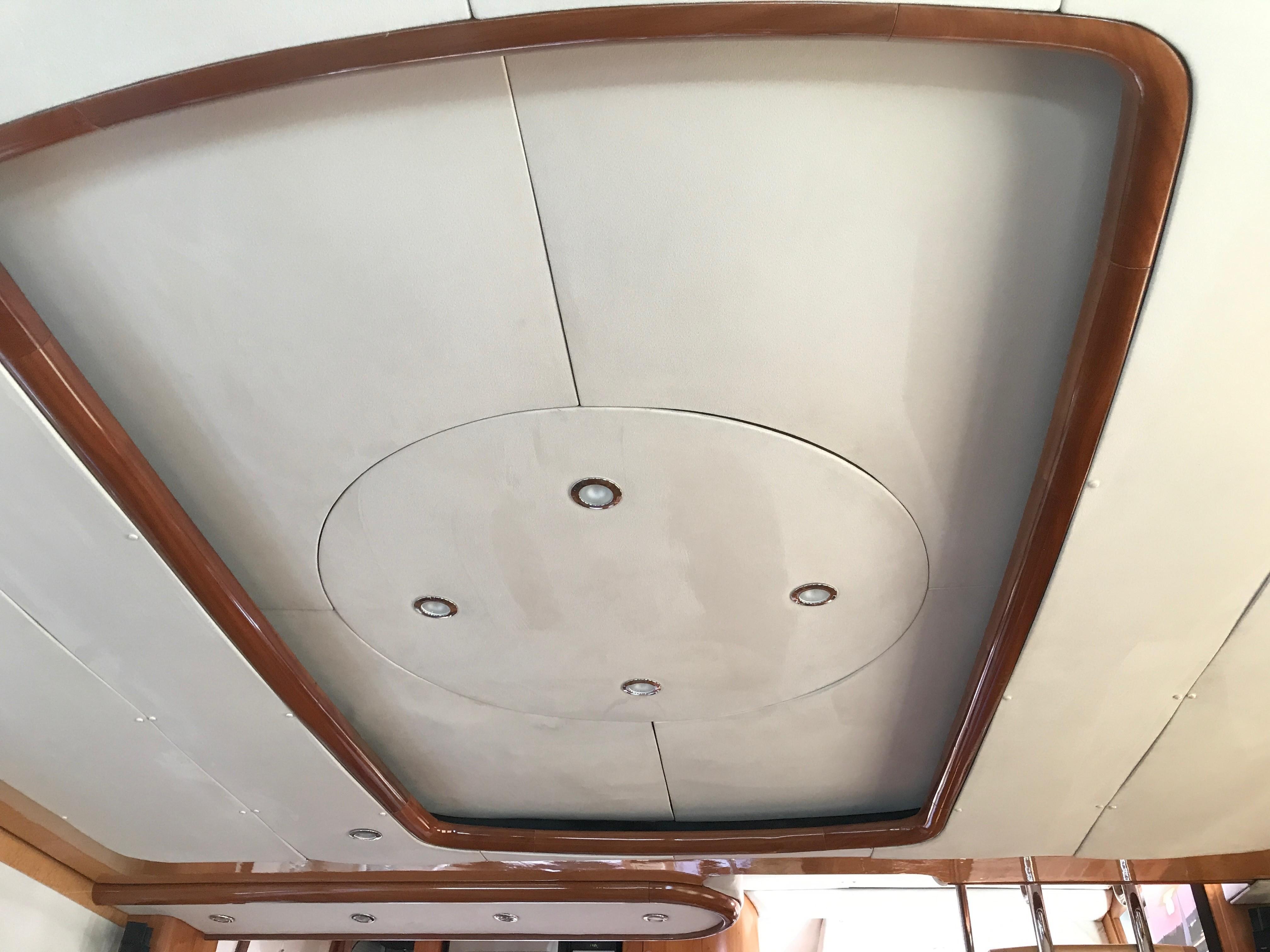 Salon overhead