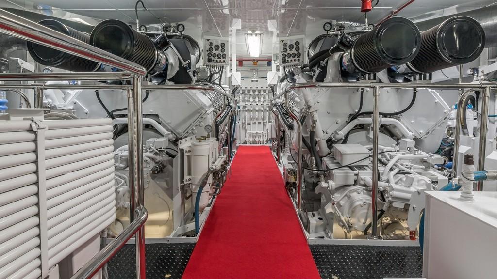 1997 Christensen 155' ''LOON'' - Engine Room