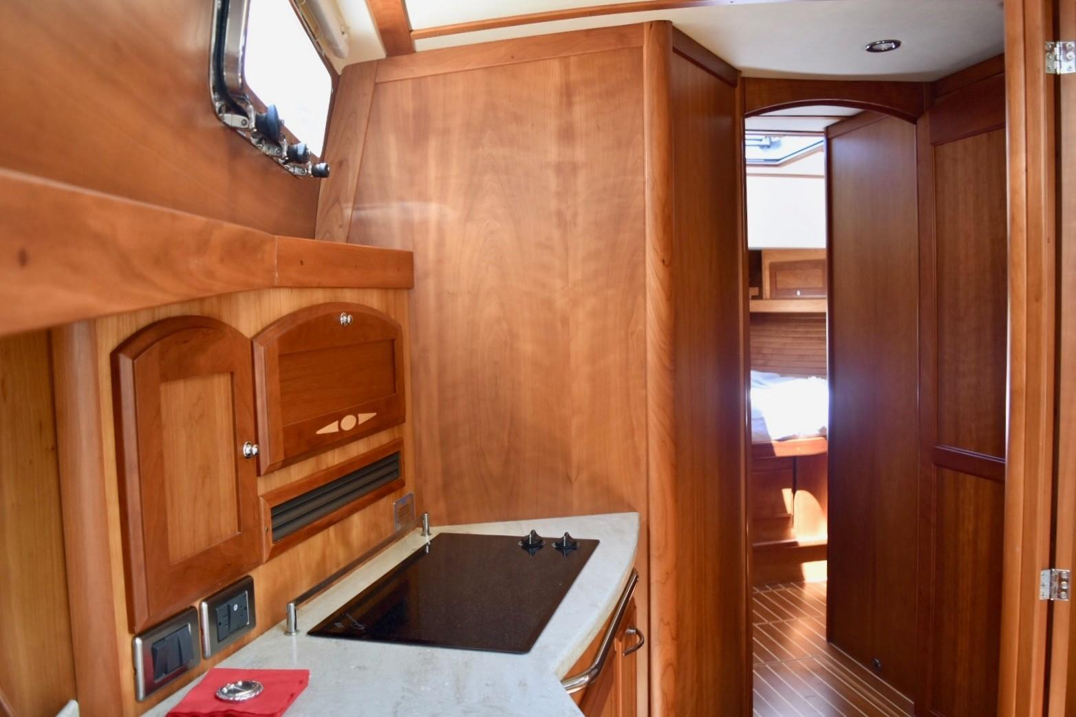 48 ft Sabre 48 SE Galley to Companionway