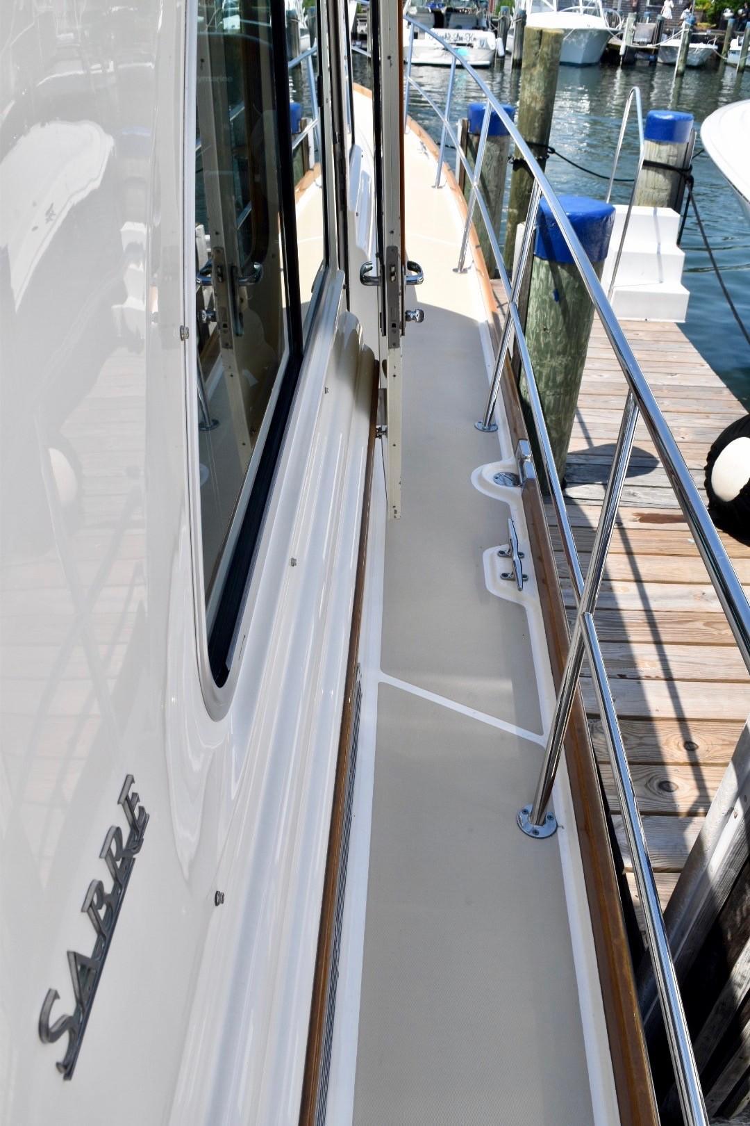 48 ft Sabre 48 SE Starboard Side Helm Door