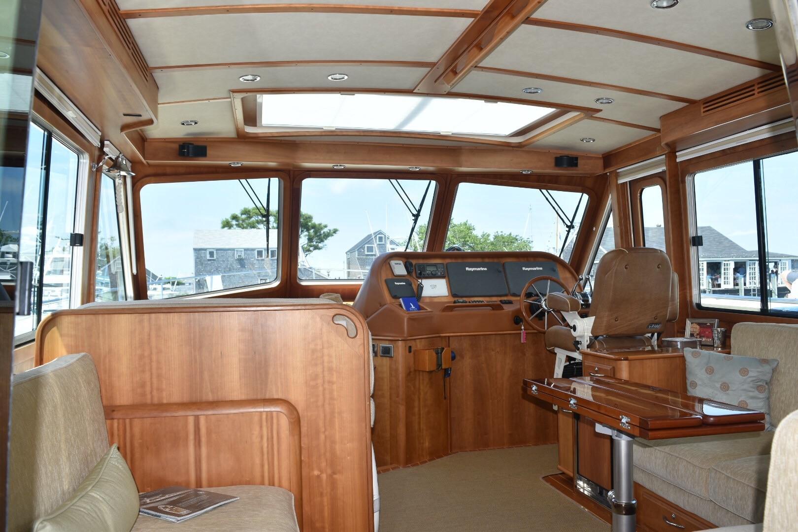 48 ft Sabre 48 SE Salon to Helm