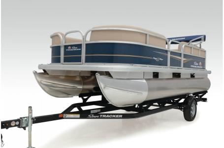 2020 Sun Tracker boat for sale, model of the boat is Party Barge 18 DLX & Image # 17 of 37