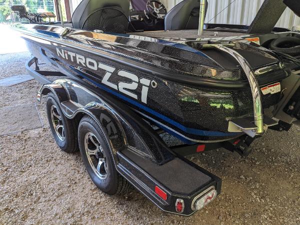 2020 Nitro boat for sale, model of the boat is Z21 Elite LX & Image # 5 of 48