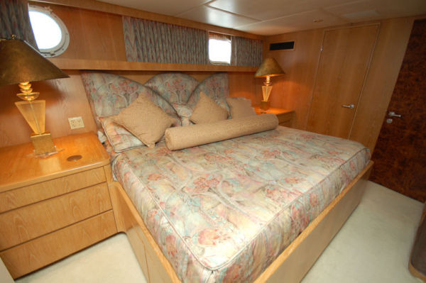 105 Broward Guest VIP Stateroom