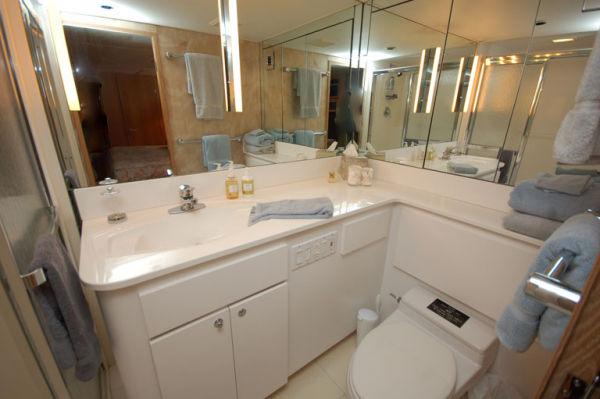 105 Broward VIP Bath