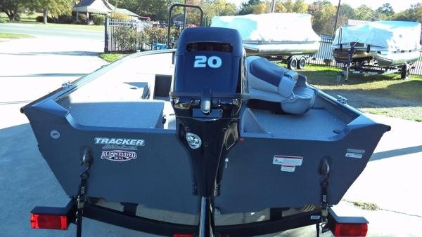 2018 Tracker Boats boat for sale, model of the boat is Guide V-16 Laker DLX T & Image # 3 of 11