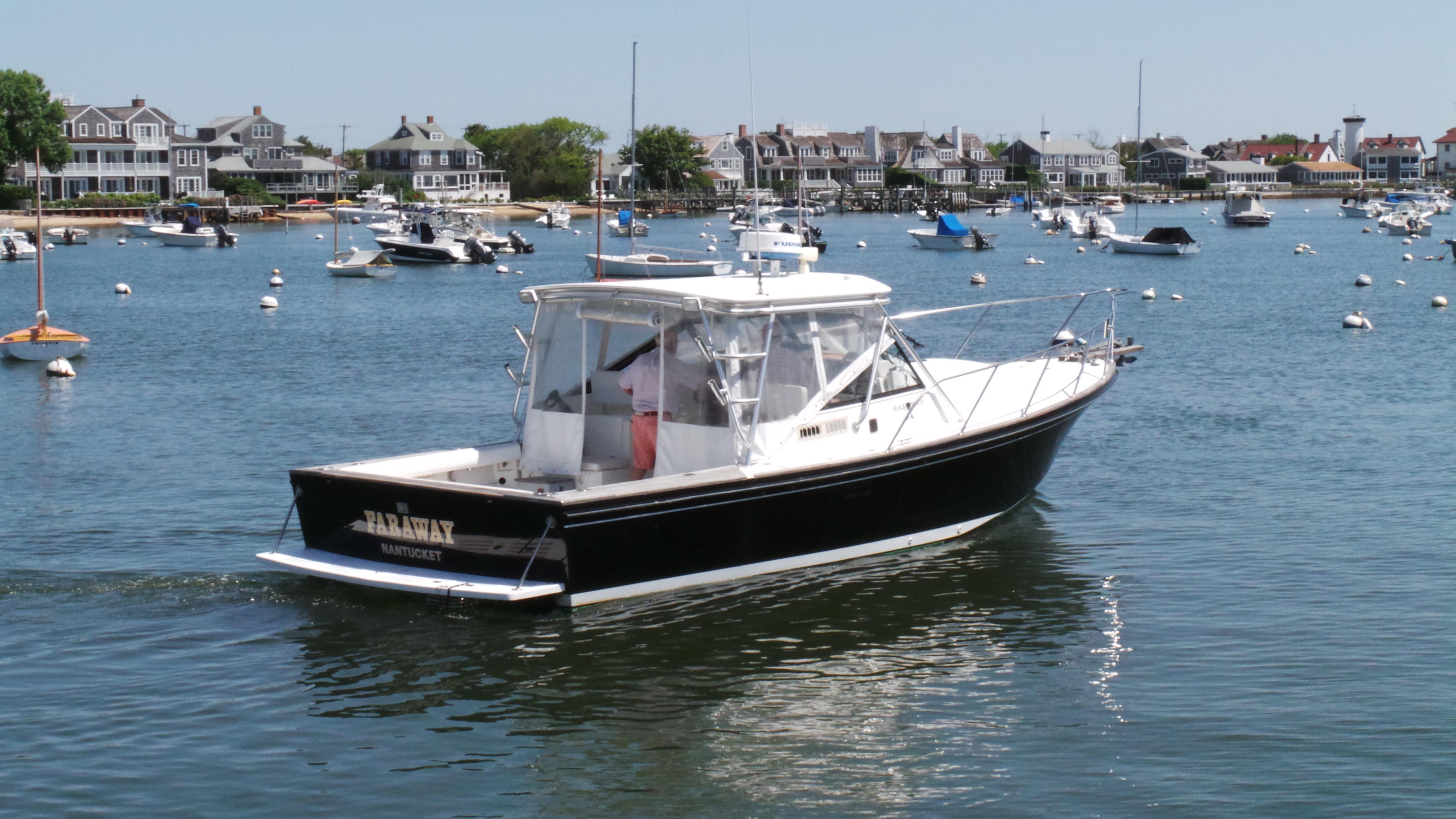 Black Watch33 Express Cruiser