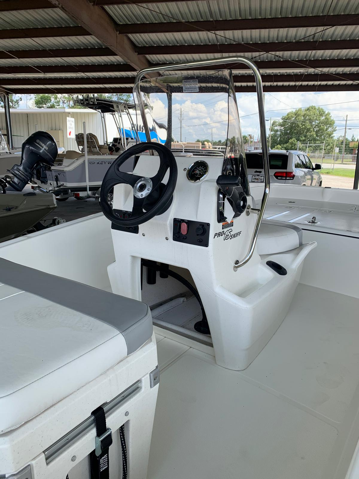 2020 Mako boat for sale, model of the boat is Pro Skiff 15 CC & Image # 40 of 46