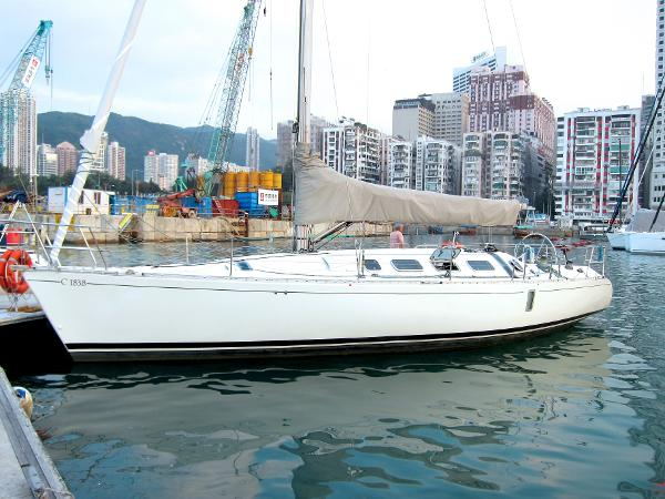 Beneteau First 41 - Profile