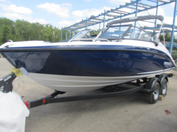 2020 Yamaha boat for sale, model of the boat is SX210 & Image # 1 of 39