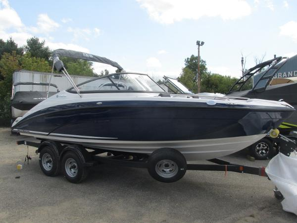 2020 Yamaha boat for sale, model of the boat is SX210 & Image # 3 of 39