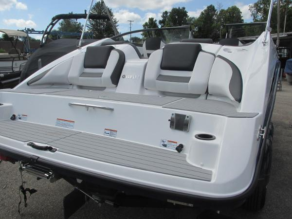 2020 Yamaha boat for sale, model of the boat is SX210 & Image # 4 of 39