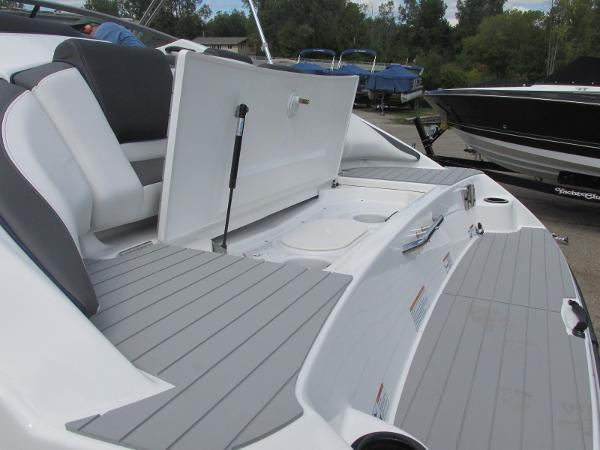 2020 Yamaha boat for sale, model of the boat is SX210 & Image # 5 of 39