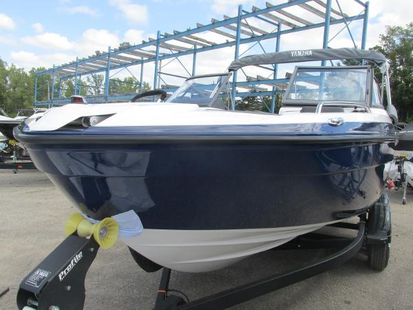 2020 Yamaha boat for sale, model of the boat is SX210 & Image # 7 of 39