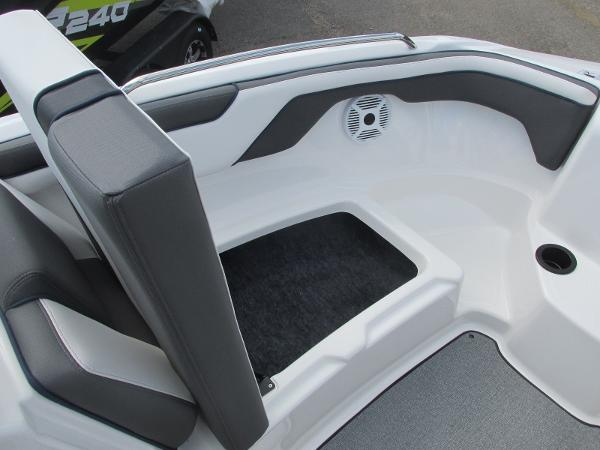 2020 Yamaha boat for sale, model of the boat is SX210 & Image # 9 of 39