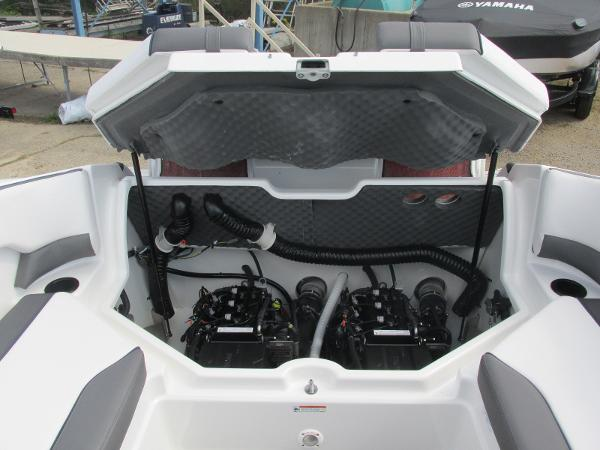 2020 Yamaha boat for sale, model of the boat is SX210 & Image # 15 of 39