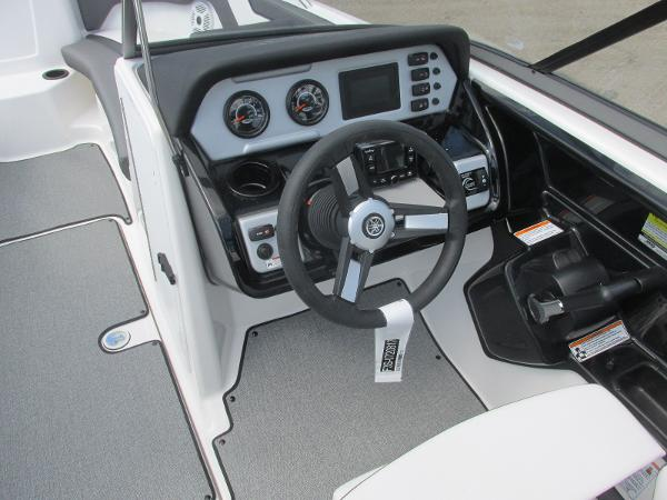 2020 Yamaha boat for sale, model of the boat is SX210 & Image # 24 of 39