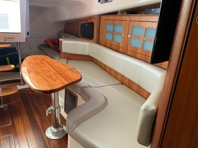 2016 Pursuit 38' ''Cathay