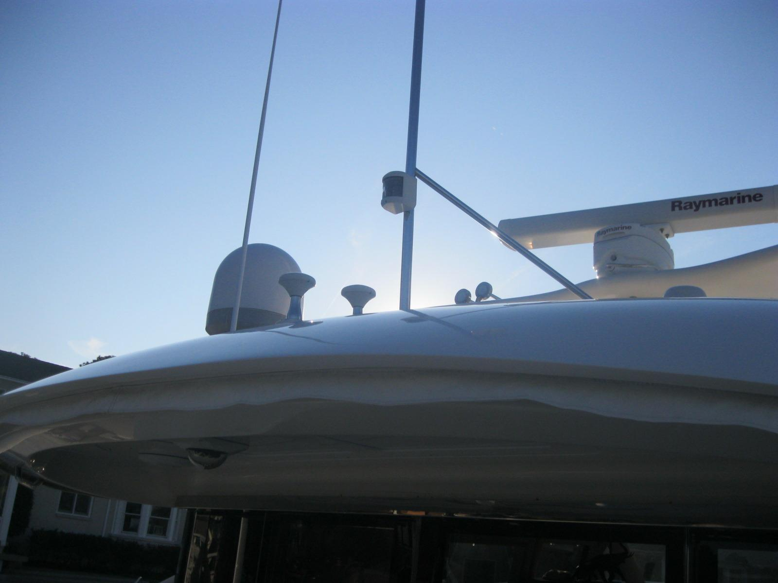 2005 Sea Ray 680 Sun Sport for sale : 4856111201512110559513291XLARGE from www.galatiyachts.com size 1600 x 1200 jpeg 94kB