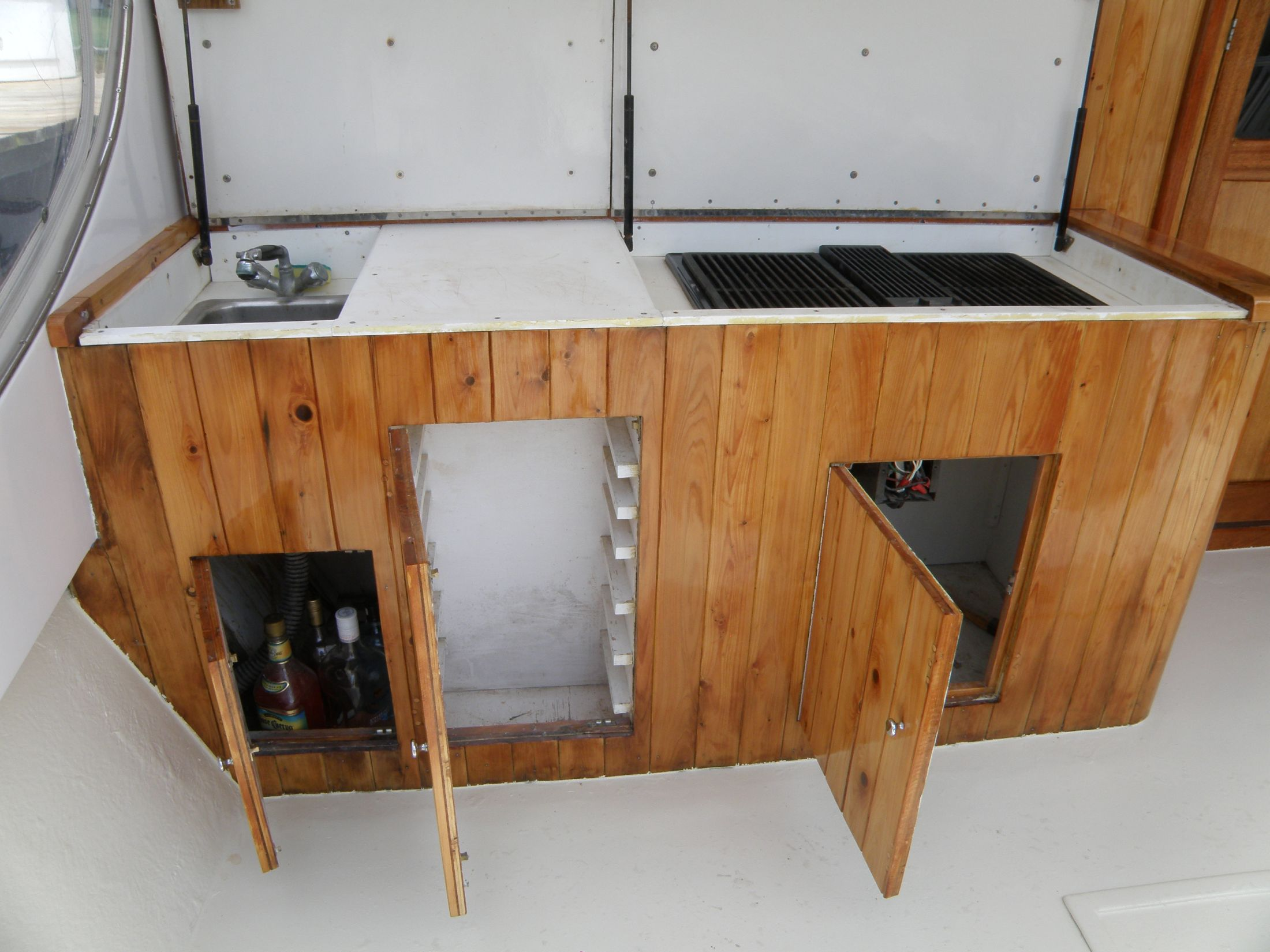 grill, hot/cold sink, storage