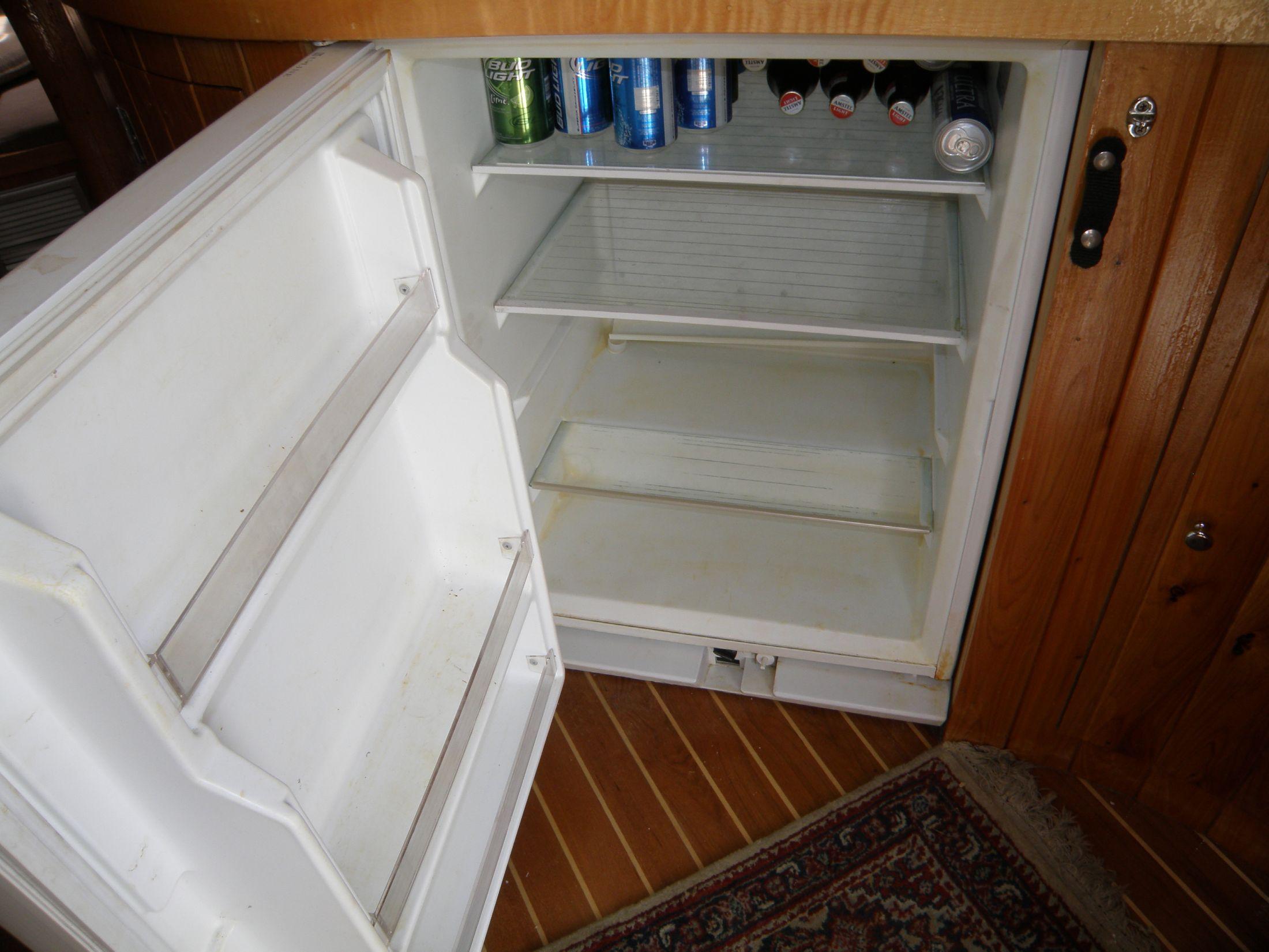 Uline refrigerator