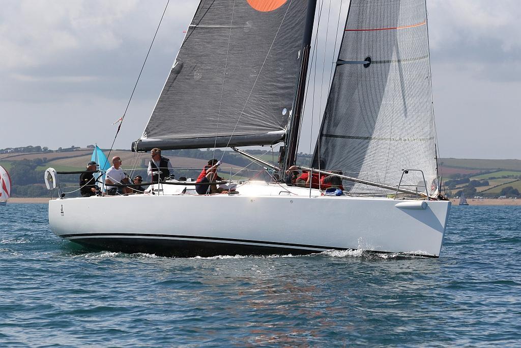J Boats 122