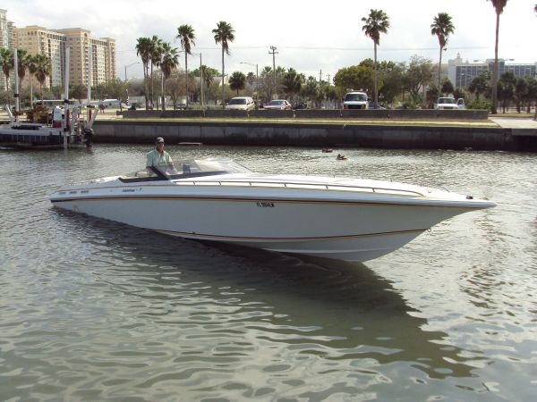 Fountain 38 Lightning High Performance Boats. Listing Number: M-3846143