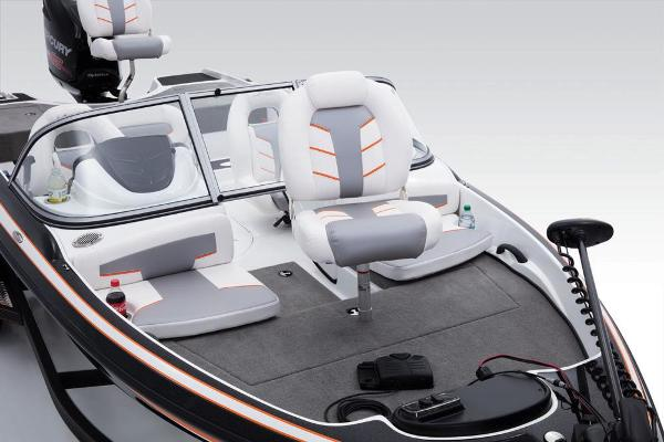 2017 Nitro boat for sale, model of the boat is Z19 Sport & Image # 8 of 37