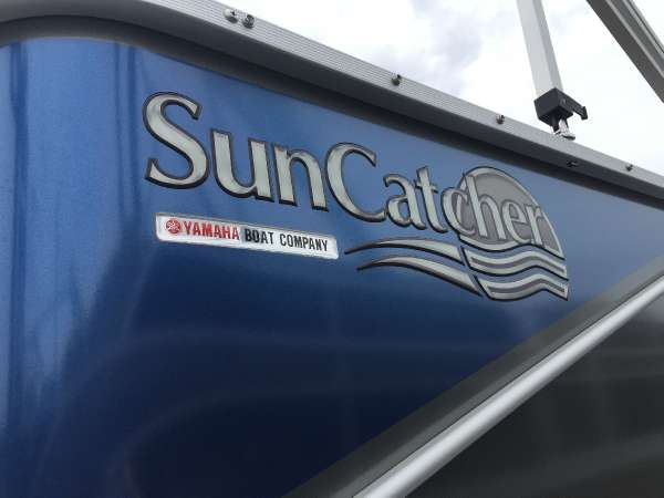 2017 SUNCATCHER V3 22FC for sale