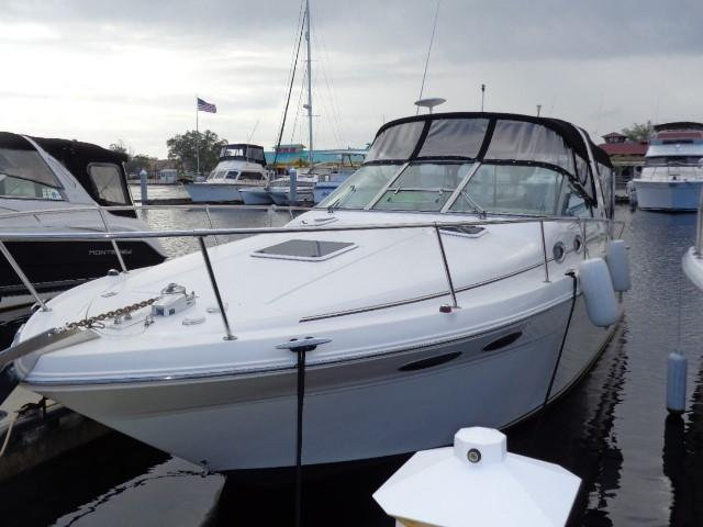 Sea Ray 290 Sundancer - Port Side