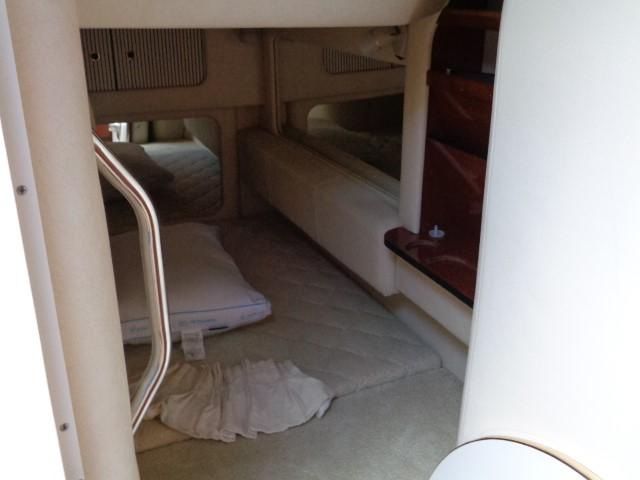 Sea Ray 290 Sundancer - stern sleeper