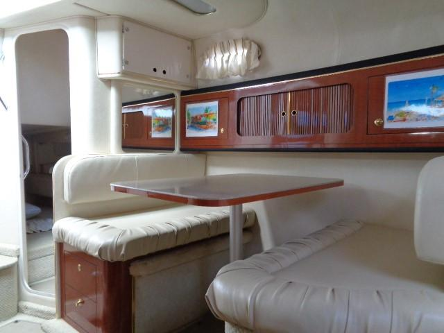 Sea Ray 290 Sundancer - Dinette 2