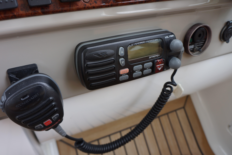 Formula 48 Yacht - VHF Radio w remote speaker