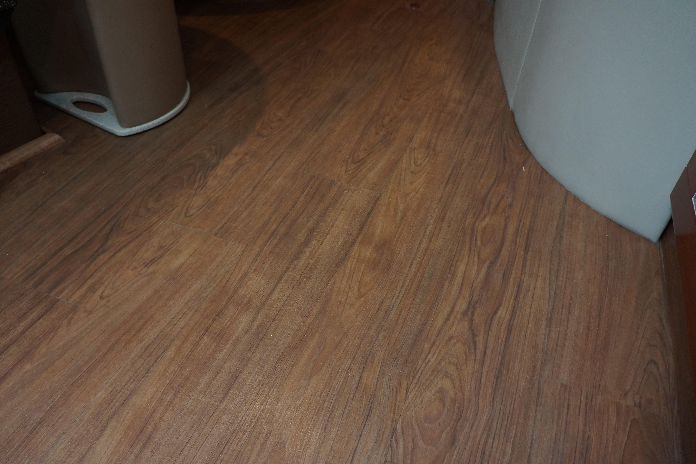 Formula 48 Yacht - New Hardwood interior flooring
